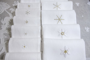 "linen guest towels "" Cristalli di neve"" hand embroidered"