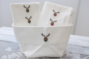 """bread basket and tea towels """"Renne"""" cotton hand embroidered"""