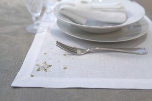 "placemat ""Stelle"", linen embroidered"