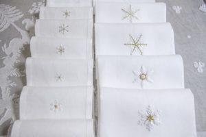 """asciugamani da ospiti """"Cristalli di neve"""" lino ricamato a mano"""